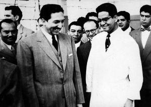 El químico mexicano Luis Miramontes, con el presidente Miguel Alemán