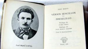 """""""Versos sencillos"""", de José Martí, en una edición de Aguilar (Madrid, 1969)."""