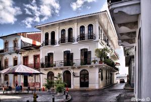 Arquitectura hispana virreinal en el casco viejo de la ciudad de Panamá.