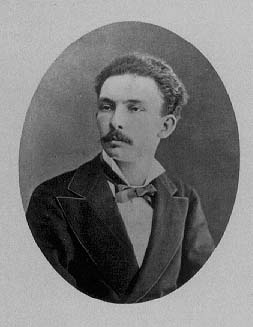 Retrato de Martí en México, en 1875. Tomado por Valleto y Cía.