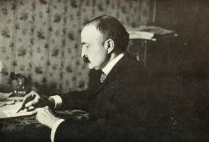 Philippe-Jean Bunau-Varilla, ingeniero e inversor francés, fotografiado en el momento de firmar el tratado de 1903 sobre el Canal de Panamá. Junto con el gobierno de Estados Unidos, fue uno de los artífices de la separación de Panamá de Colombia.